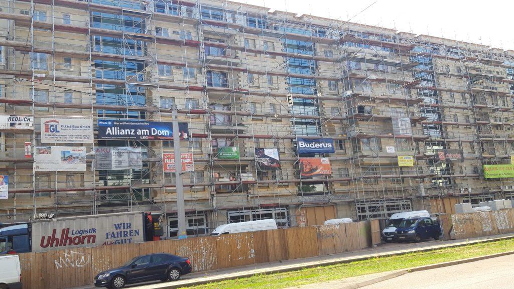 Neubau eines Wohn- und Geschäftshaus in Magdeburg mit über 70 Bäder.